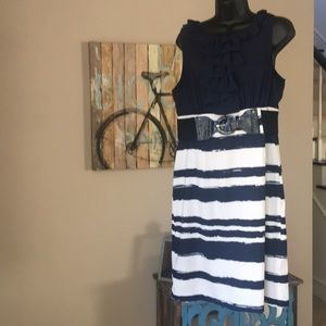Darling comfortable navy and white dress.